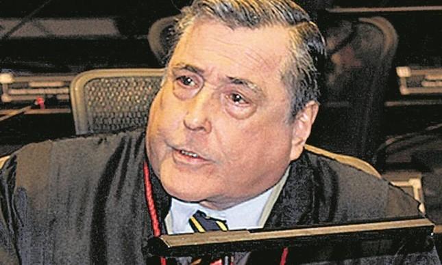 O corregedor Bernardo Moreira Garcez Neto exige comprovantes