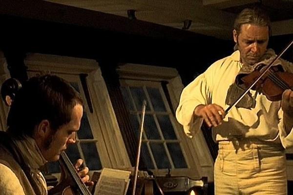 O violino de Mestre dos Mares que o ator Russell Crowe colocou em leilão (Foto: Reprodução)