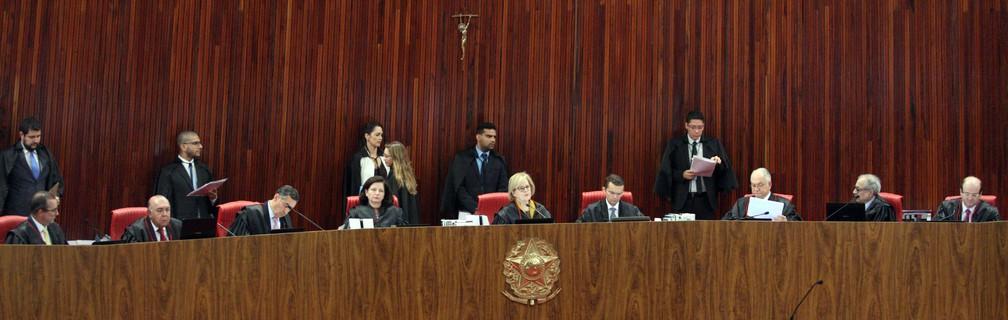O plenário do TSE durante sessão extraordinária que analisou a candidatura do ex-presidente Lula (Foto: Carlos Moura/Ascom/TSE)