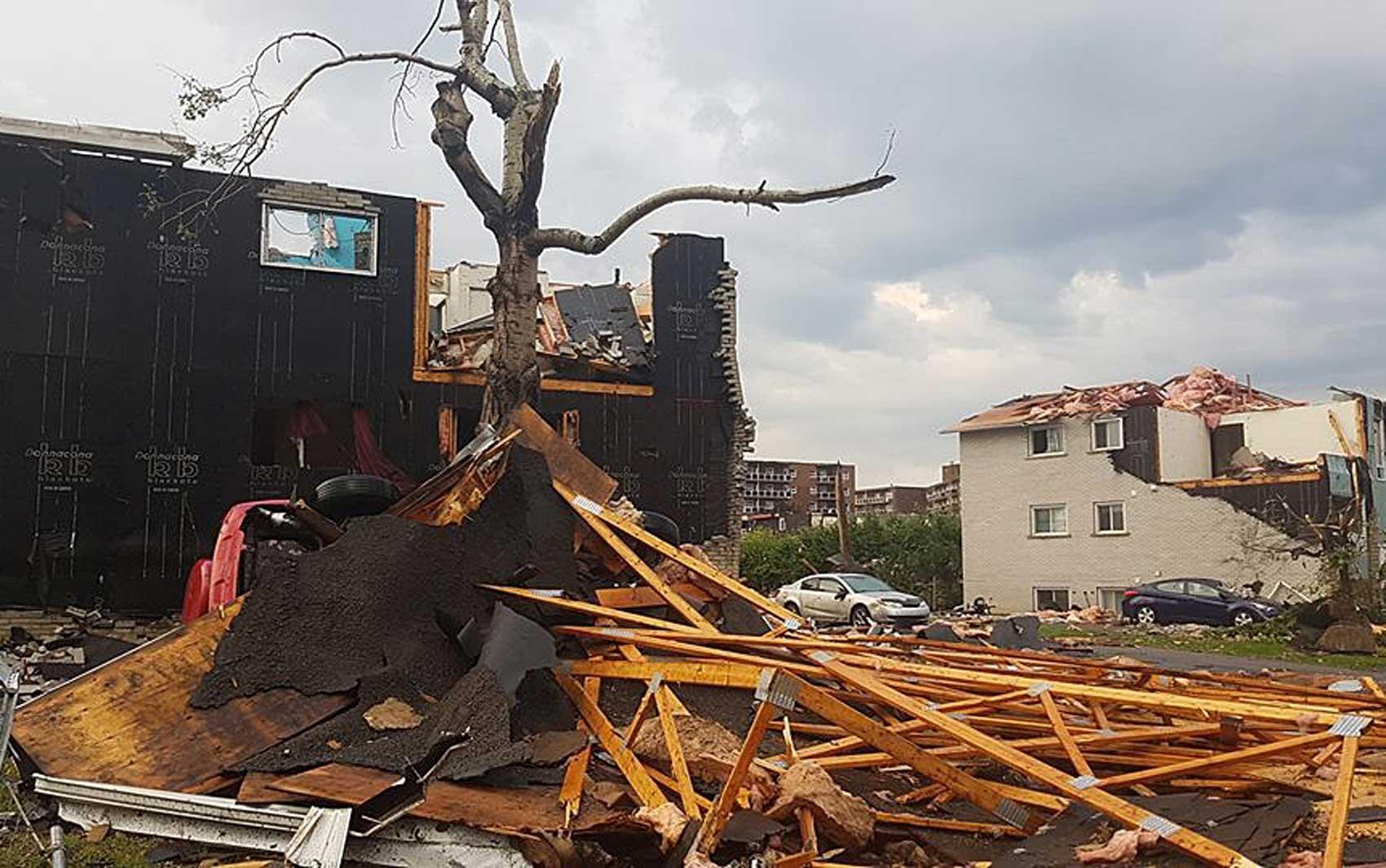 Tornado provoca graves danos na região de Ottawa e deixa feridos