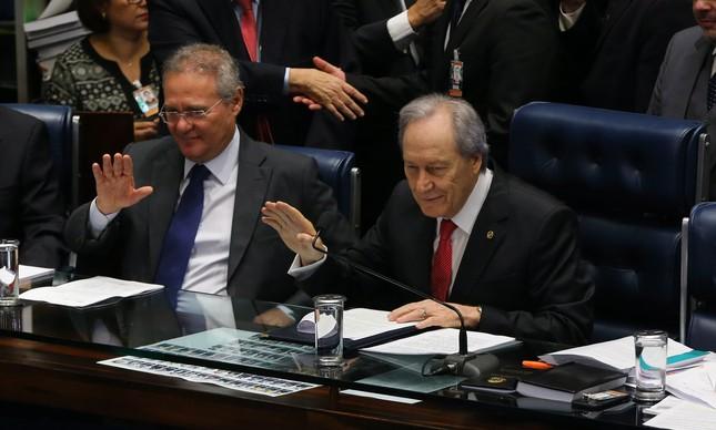 O presidente do Senado, Renan Calheiros, e o presidente do STF, Ricardo Lewandowski, pedem calma