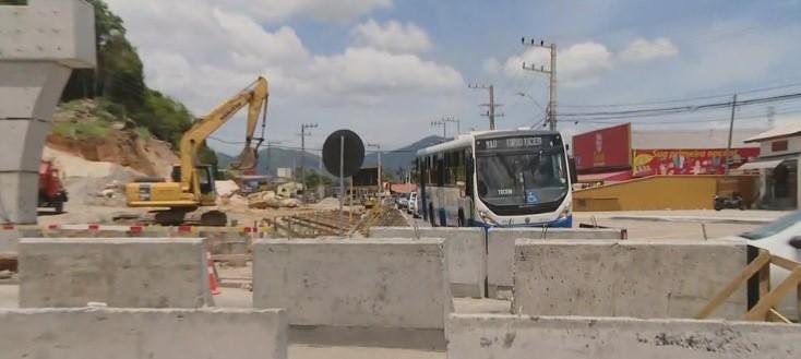 Transporte coletivo muda itinerário por obras no elevado do Rio Tavares, em Florianópolis