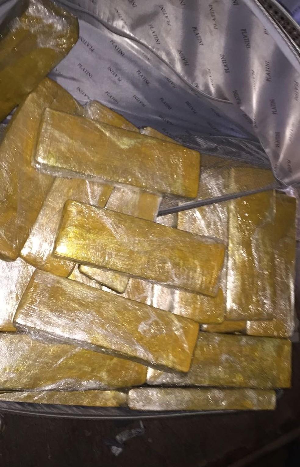 -  Polícia apreende 300 kg de maconha que saiu do Paraguai com destino a Angra  Foto: Divulgação/Polícia Civil