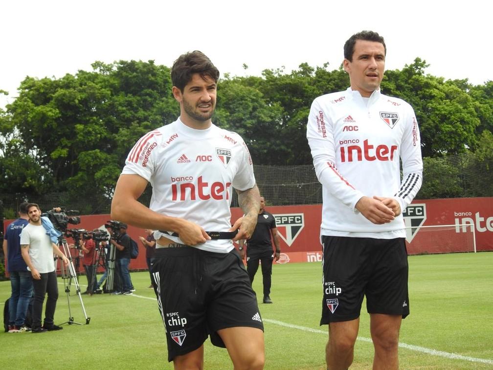 Alexandre Pato e Pablo em treino do São Paulo, antes da pandemia — Foto: Marcelo Hazan