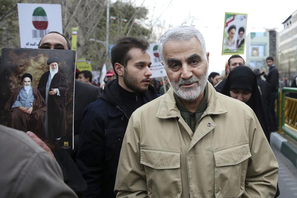 Foto de 2016 mostra Qassem Soleimani em celebração do aniversário da revolução islâmica de 1979 no Irã — Foto: AP Photo/Ebrahim Noroozi, File