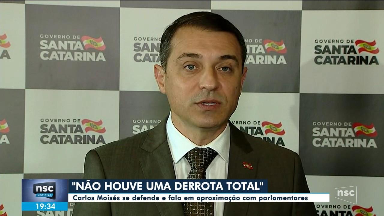 Após afastamento, Carlos Moisés se defende e fala em aproximação com parlamentares