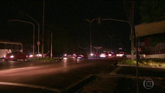 Mais de três milhões de pessoas da região metropolitana de Manaus e do Amapá ficam sem luz