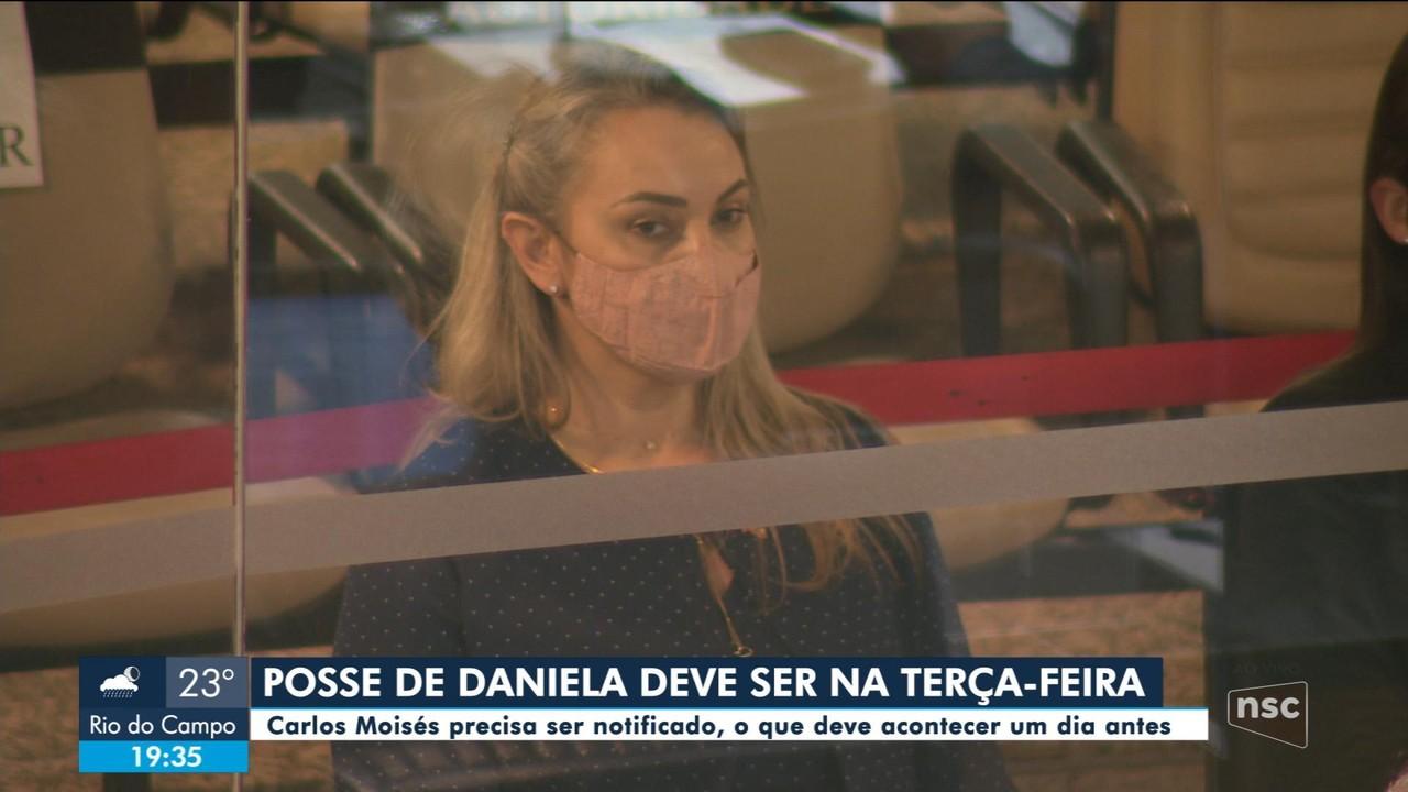 Daniela Reinehr deve iniciar trabalhos como interina do governo na terça-feira