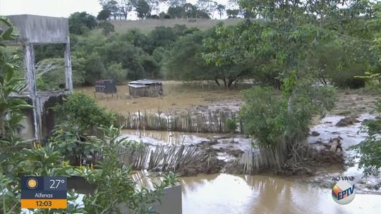 Chuvas danificam pelo menos 14 pontes e prejudicam moradores de Monte Belo, MG