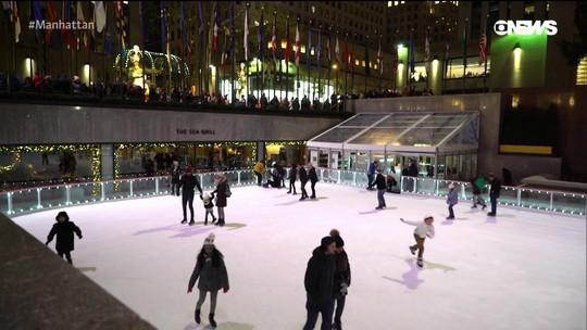 Pedro Andrade visita a pista de patinação no gelo do Rockefeller Center