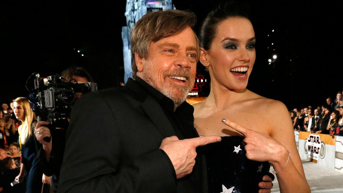 Elenco de 'Star Wars: Os Últimos Jedi' se reúne para pré-estreia mundial do filme