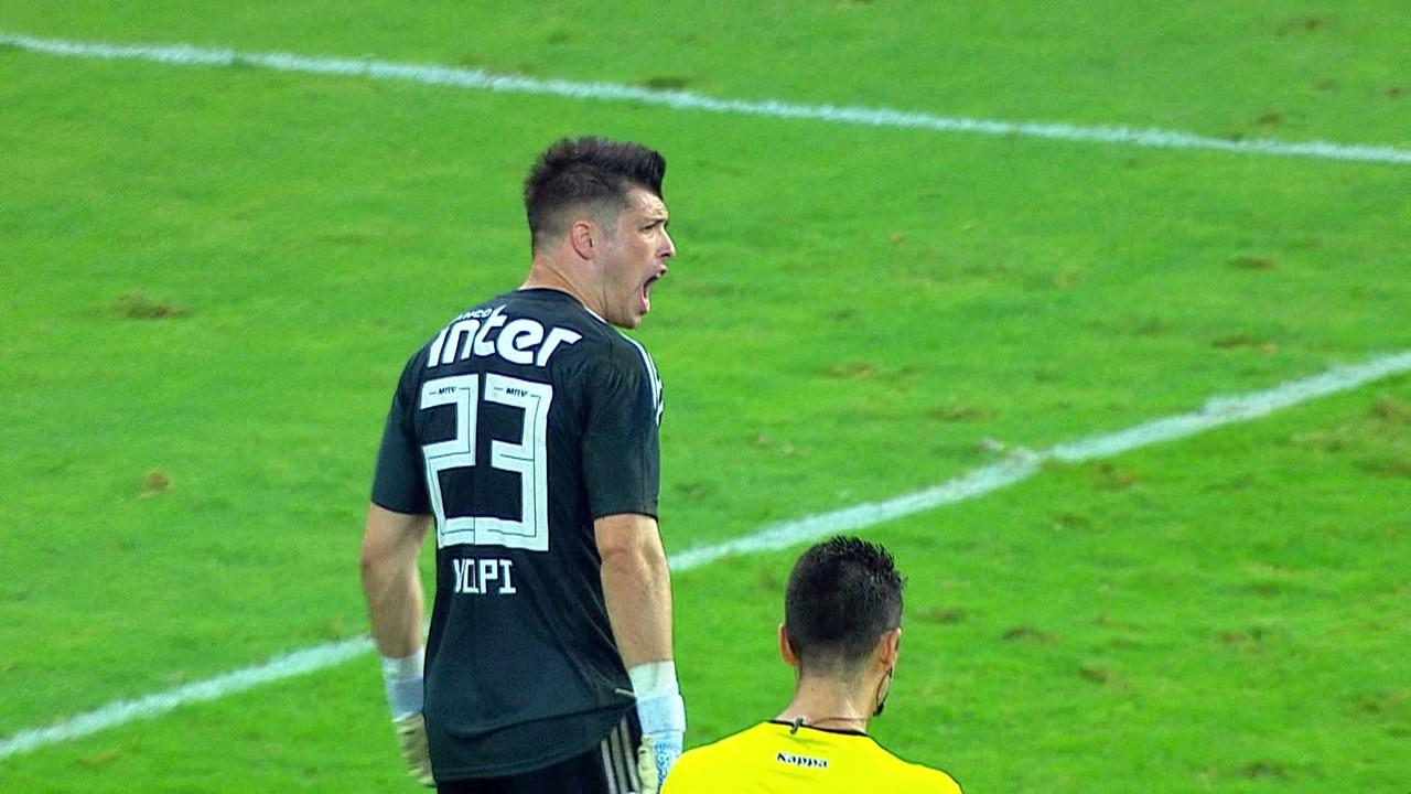 Em seus primeiros meses de São Paulo, Volpi mostrou seu cartão de visitas ao defender dois pênaltis na semifinal do Paulistão contra o Palmeiras