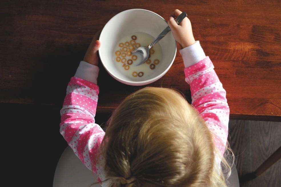 Escassez de alimentos na infância aumenta o risco de doenças como a asma — Foto: Pixabay