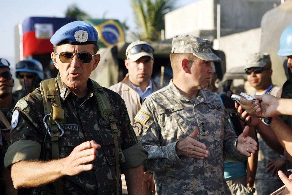 General Floriano Peixoto Vieira Neto durante missão no Haiti em 2010 — Foto: Sophia Paris/UN Photo