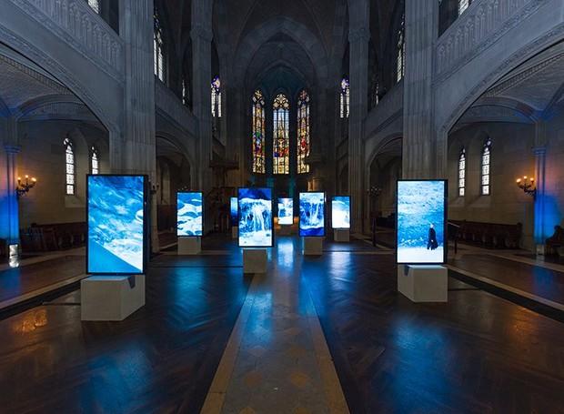 Instalação artística de Isaac Julien em homenagem à Lina Bo Bardi; na foto, a obra estava em exposição na feira de arte Art Basel, na Suíça (Foto: Harold Cunningham / Reprodução)