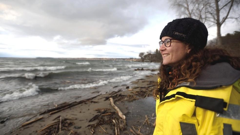 Rachael Miller, fundadora da empresa Cora Ball, se dedica a evitar a contaminação por microplástico dos oceanos — Foto: David A. Seaver/Divulgação