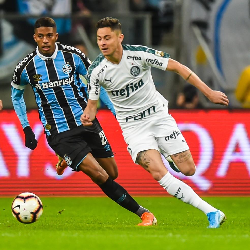 Diogo Barbosa em campo contra o Grêmio — Foto: Vinícius Costa/BP Filmes