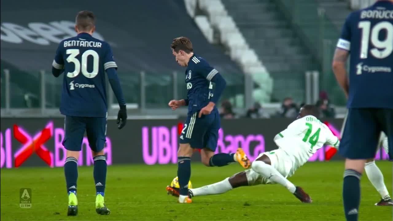 Juventus 3 x 1 Sassuolo: Danilo faz golaço e anota assistência