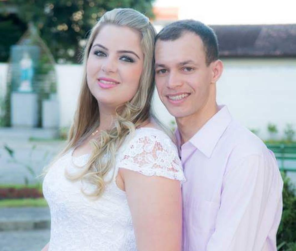 José Ronaldo Martins era casado com Bruna Mitzel, que foi socorrida na Santa Casa (Foto: Reprodução / Facebook)