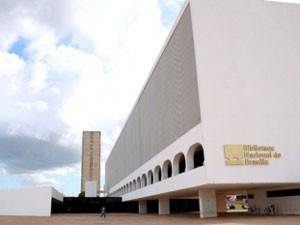 Biblioteca Nacional de Brasília reabre ao público com reserva de livros e de espaços pela internet