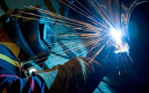 Fábricas brasileiras operam com o menor nível de ocupação em 16 anos