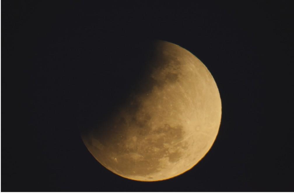 Enquanto já sabemos de muitas formas com que a Lua influência fenômenos na Terra, há ainda muitos mistérios sobre seu papel na vida humana, por exemplo — Foto: Ariel Adorno/Divulgação