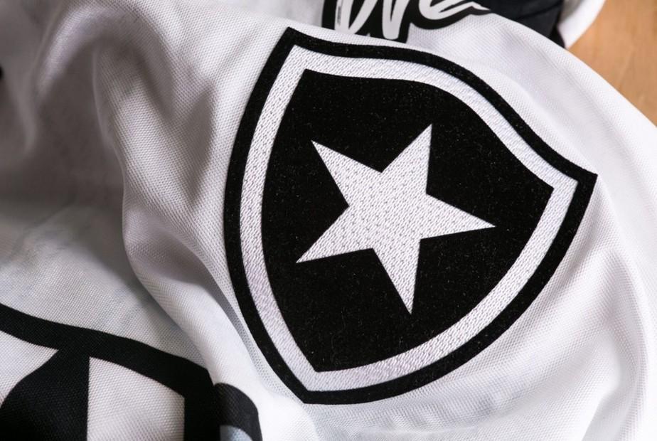 Botafogo lança coleção com uniformes de 2018 neste sábado: veja primeira imagem