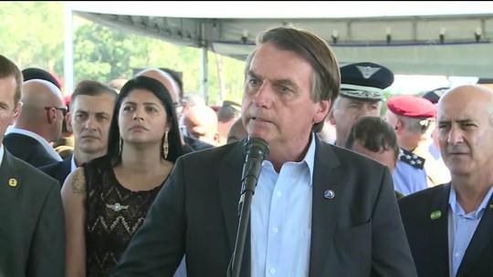 Presidente Jair Bolsonaro defende carona a parentes em helicóptero da FAB