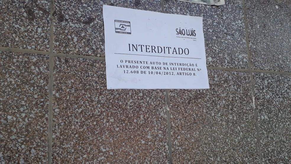 Após vistoria, Defesa Civil interditou várias casas na Vila Bacanga por conta do risco de desabamento — Foto: João Ricardo/Rádio Mirante AM