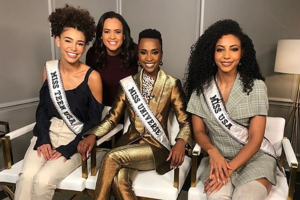 A Miss Universo Zozibini Tunzi com a Miss USA Cheslie Kryst e a Miss Teen USA Kaliegh Garris nos bastidores do programa Good Morning America (Foto: Instagram)