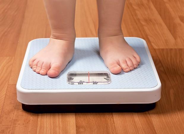 bebê; balança; saúde;  (Foto: Getty Images)