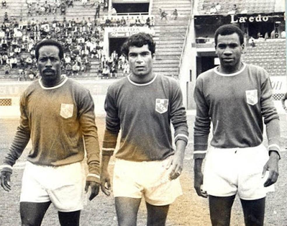 Eloy Campos, Orlando de la Torre e Fernando Mellán, aquele Sporting Cristal de 71 — Foto: Reprodução