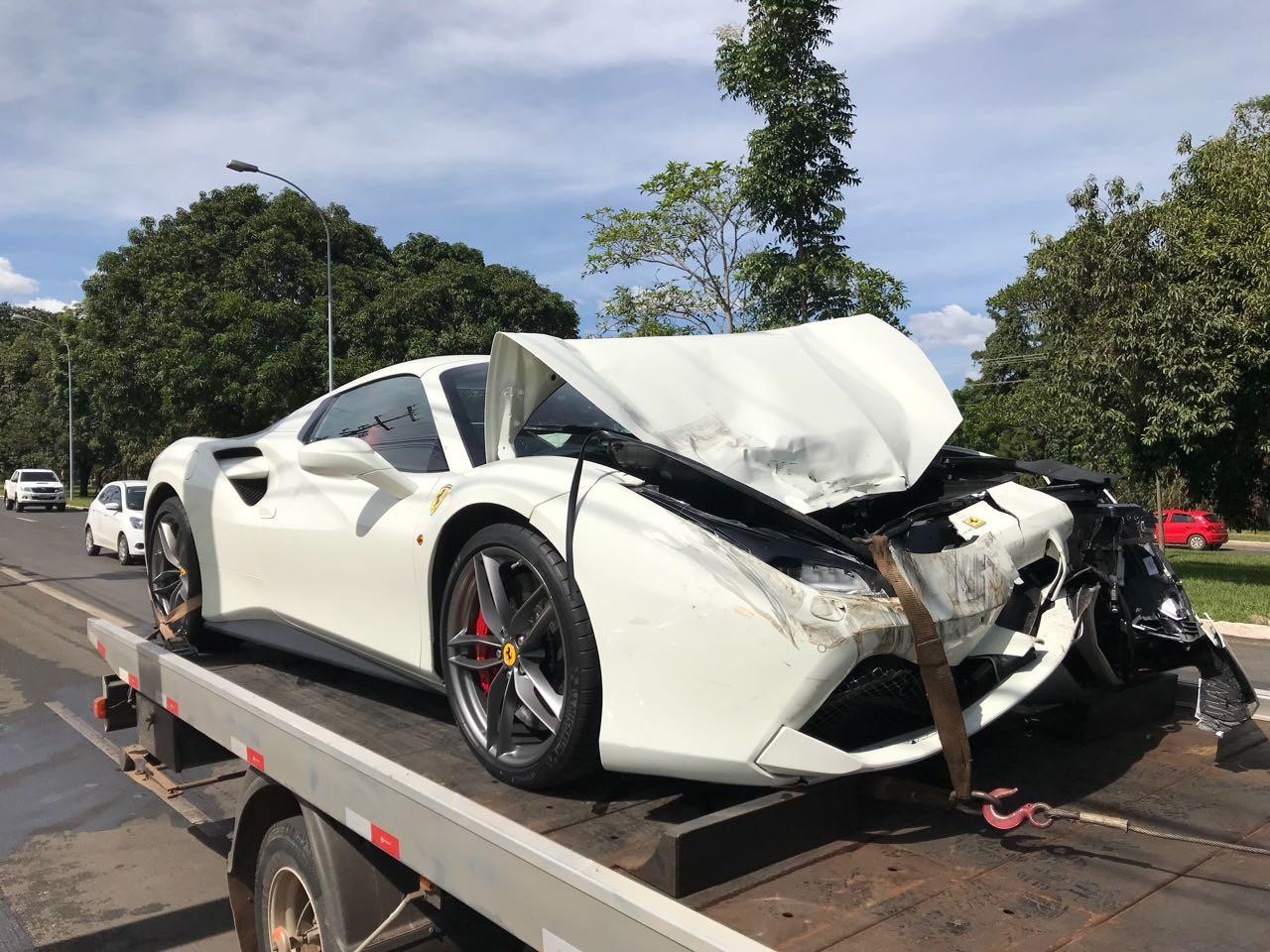 Peças para consertar Ferrari batida no DF podem custar mais de R$ 90 mil