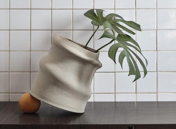 Vaso Disforma, de Claudia Issa para Konsepta Design (Foto: Divulgação)