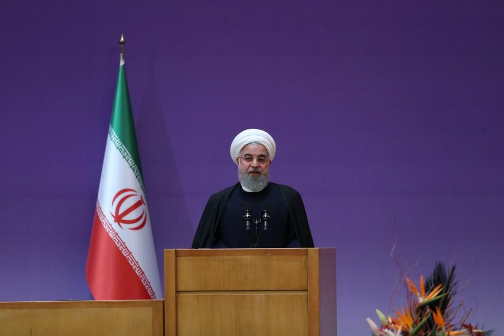 -  O presidente iraniano Hassan Rohani fala durante a cerimônia de encerramento do Farabi Award em Teerã, Irã, neste domingo  14   Foto: President.ir/Ha