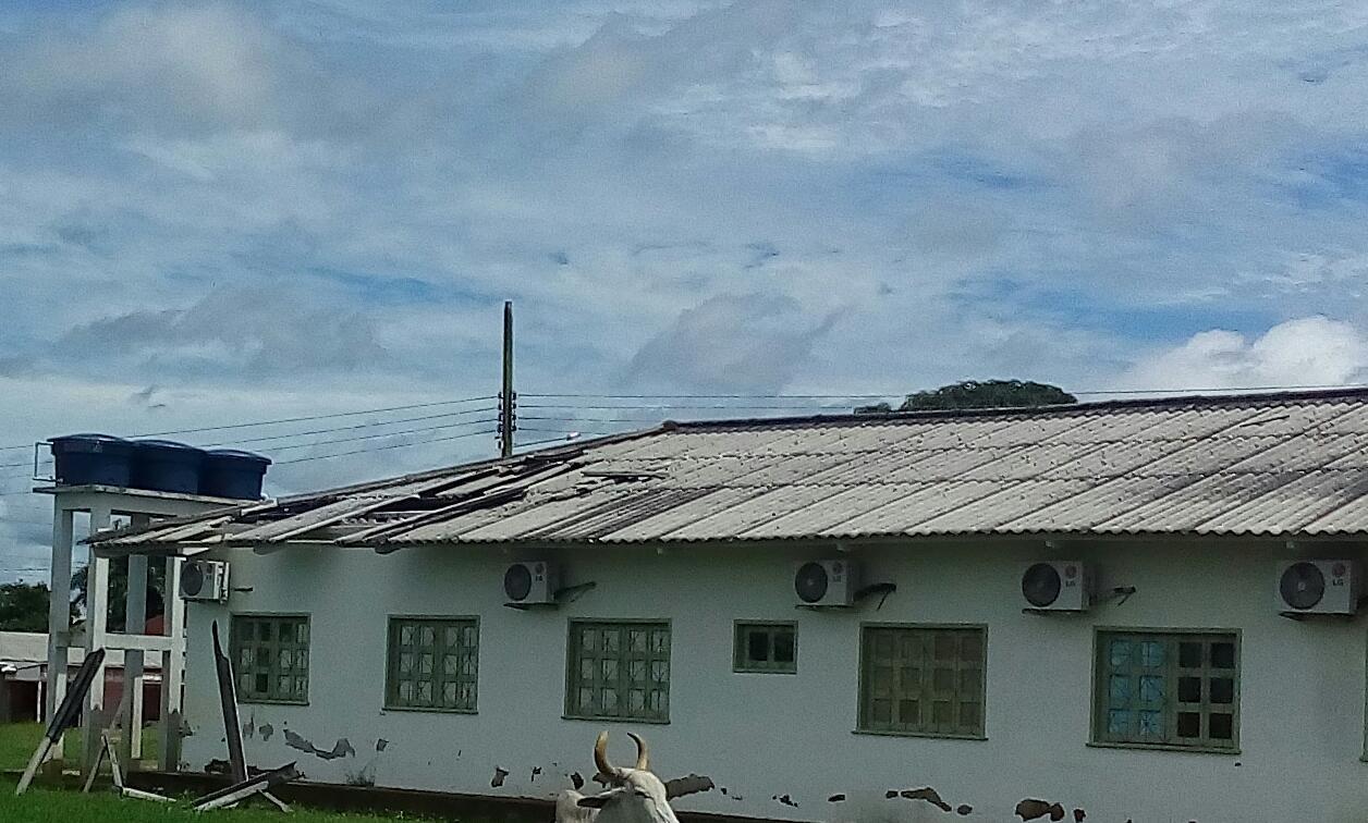 Curto-circuito em ar-condicionado causa princípio de incêndio em posto de saúde do interior do Acre