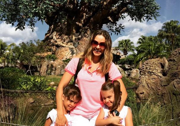 Bianca Rinaldi e as filhas (Foto: Reprodução)