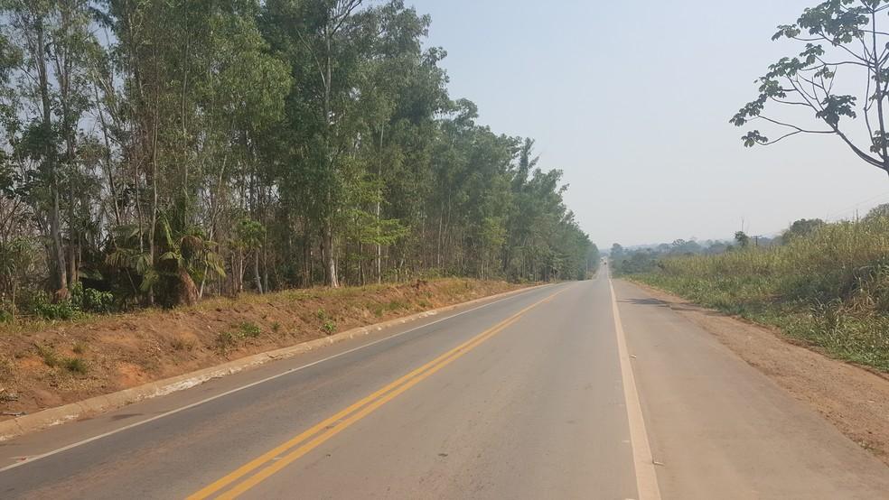BR-364 próximo de Ji-Paraná (Foto: Pâmela Fernades/G1)