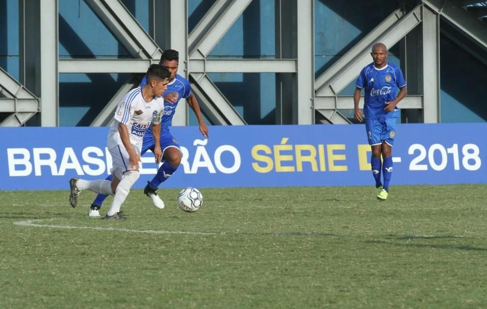 Pedro Balú, lateral do Nacional-AM, em partida pela Série D (Foto: Antônio Assis/FAF)