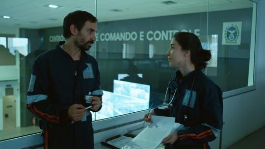 'Sob Pressão': Evandro deseja filho com Carolina na nova temporada da série
