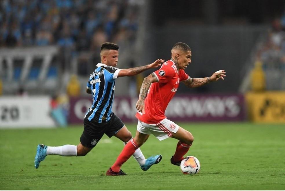 Guerrero busca primeiro gol em Gre-Nais — Foto: Ricardo Duarte / Internacional