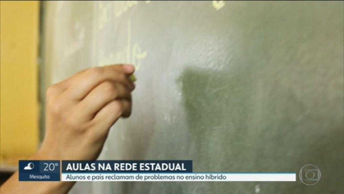 Estudantes e pais da rede estadual do RJ relatam que escolas ainda não voltaram ao ensino presencial apesar de liberação