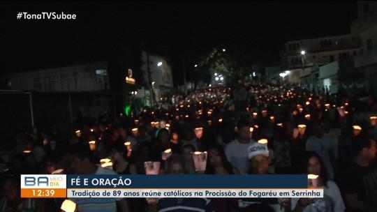 'Procissão do Fogaréu' reúne milhares de católicos em Serrinha