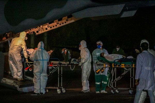Pacientes com Covid-19 são transferidos de Rondônia para o Amazonas — Foto: Governo de Rondônia