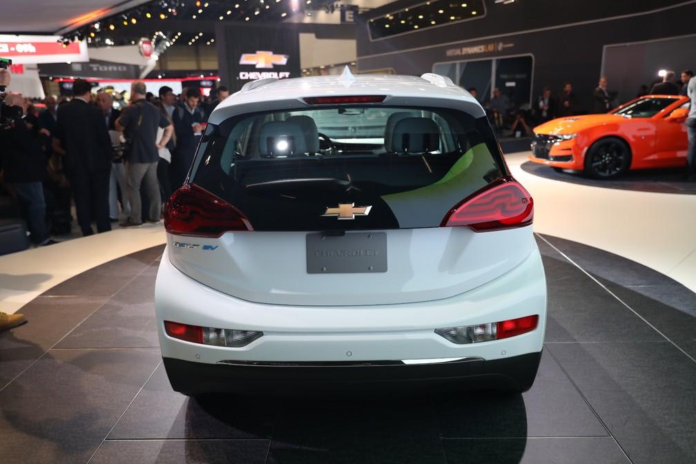 Traseira do Chevrolet Bolt apresentado no Salão do Automóvel de São Paulo 2018 — Foto: Fábio Tito/G1