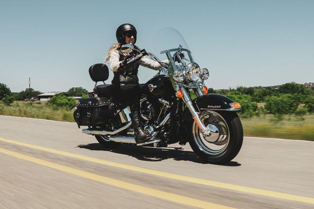 Avalia 231 227 O Harley Davidson Heritage Softail Classic Auto