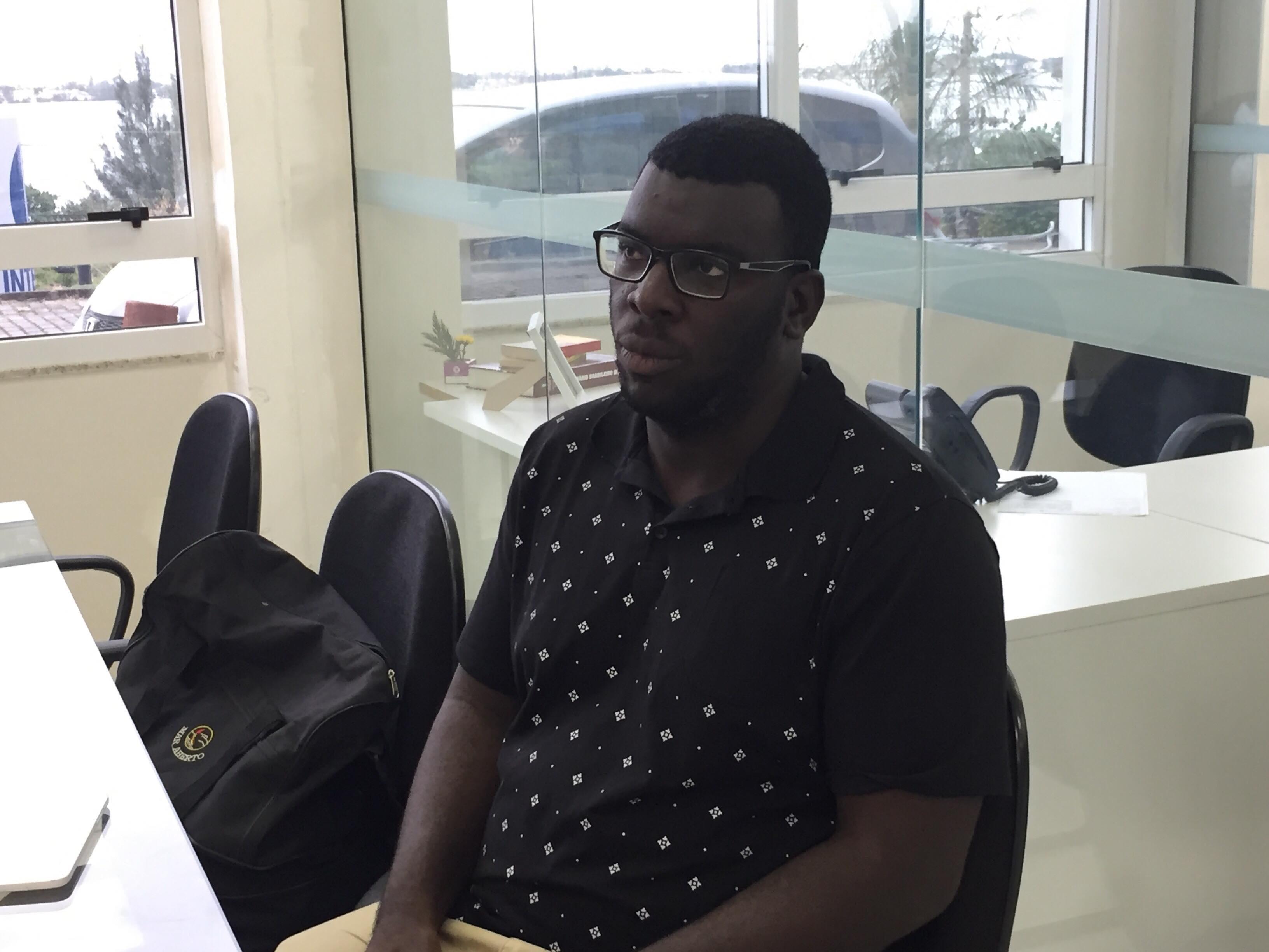 Professor agredido em sala de aula no RJ revela que sente falta de ensinar e que aprendeu com a dor - Radio Evangelho Gospel