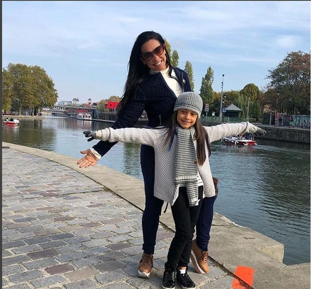 Scheila Carvalho e a filha (Foto: Reprodução/Instagram)