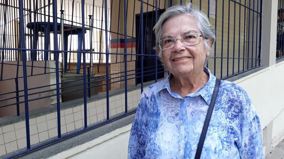 Aposentada Eunice Oliveira, de 80 anos, acredita que votar é ter esperança — Foto: Marina Meireles/G1