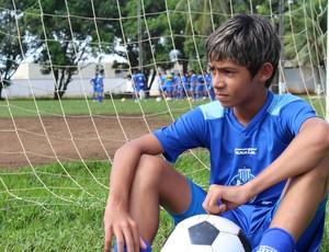 Wendell Sebastian vai jogar nas categorias de base do Avaí em 2014 (Foto: Hugo Crippa)